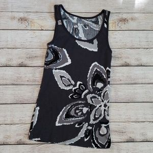 5 items for $18 💥《Old Navy》floral tank